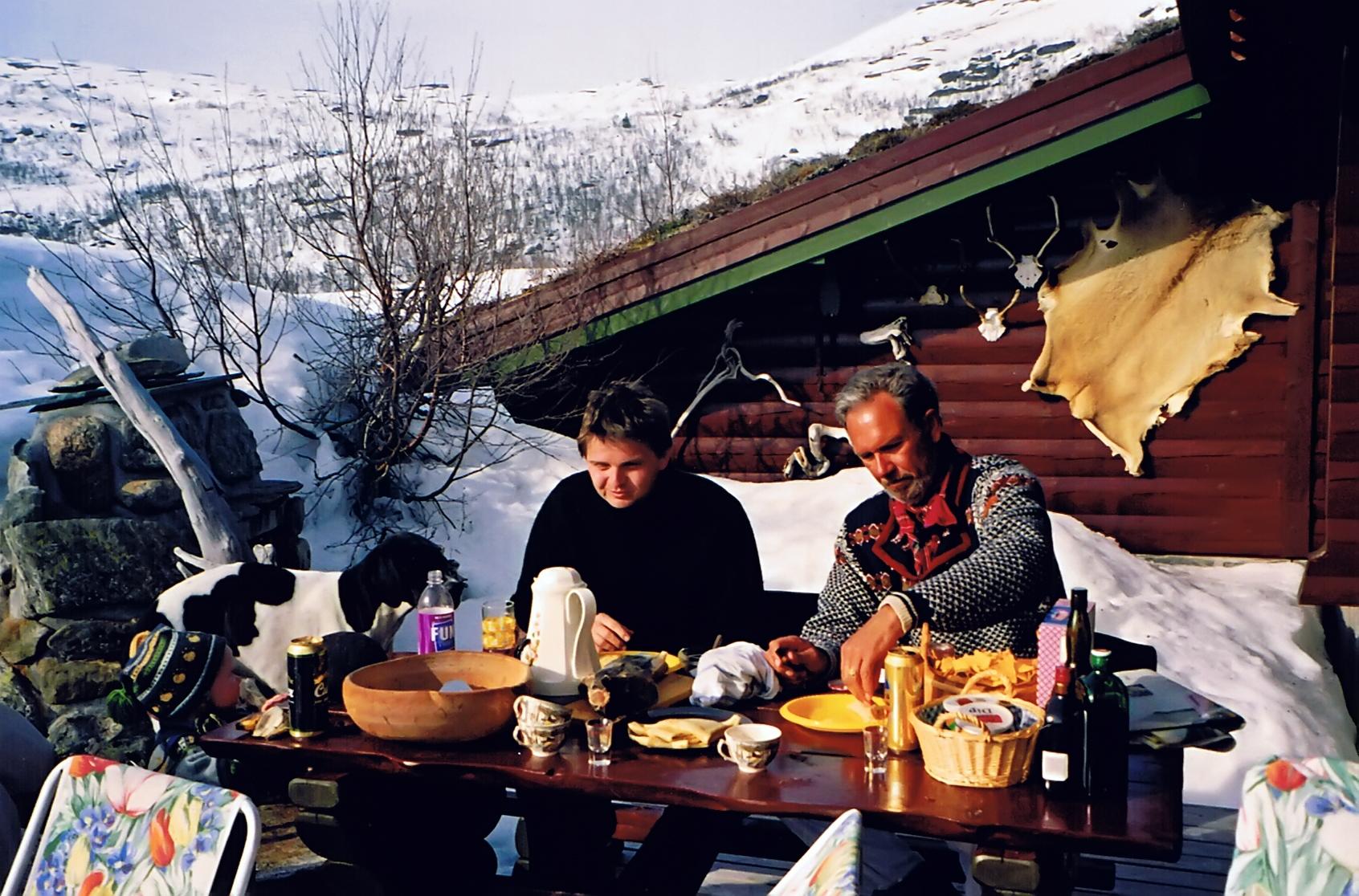 Mat i hytteveggen